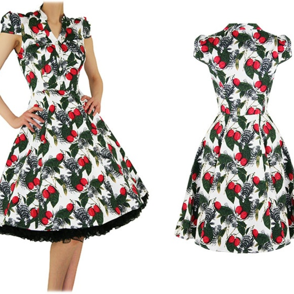 f29ed09f777ad Heart and Roses London Dresses & Skirts - NWOT Hearts and Roses vintage  retro 50's tea